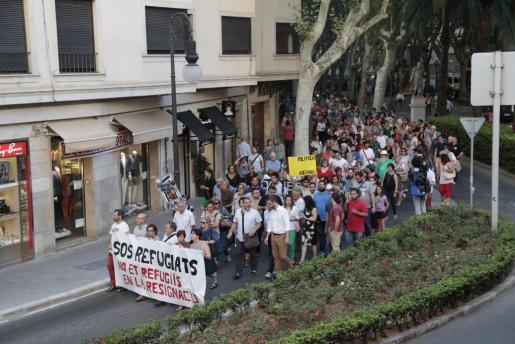 Los manifestantes recorrieron La Rambla y llegaron hasta la Delegación del Gobierno, donde se leyó un manifiesto.