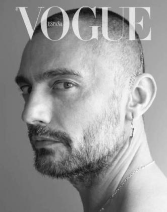 Portada de Vogue que protagoniza David Delfín.
