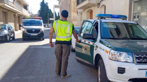 La Guardia Civil ha realizado registros en Manacor.