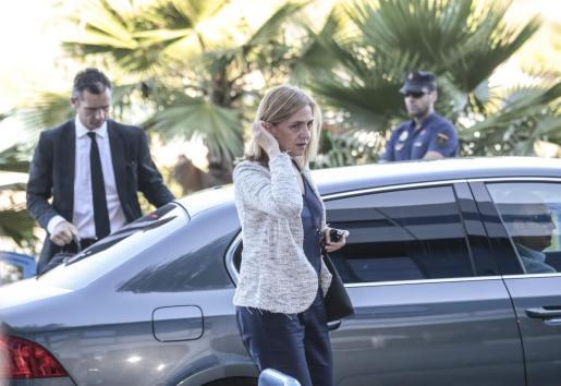 La infanta Cristina a su llegada la mañana de este miércoles a la sede de la EBAP, donde el juicio por el caso Nóos ha quedado visto para sentencia.
