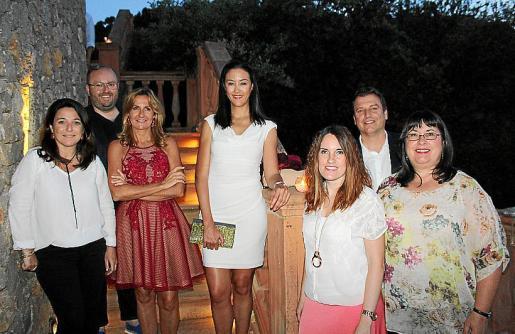 Antonia Torres, Tommy Ferragut, Mar Aldeguer, Alejandra Company, Marina Vera, Bosco Triay y Piedad López.