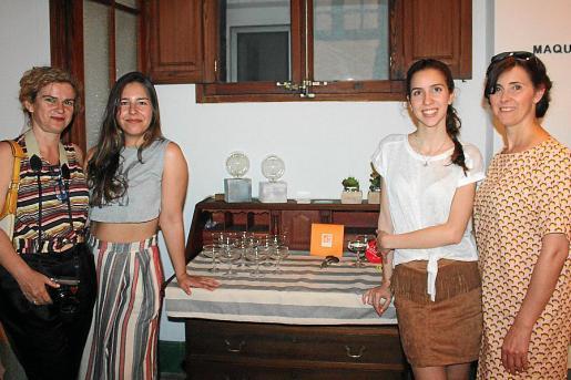 Magdalena Juan, Nanda Llambías, Maite Mateu y Rosario Lucena.
