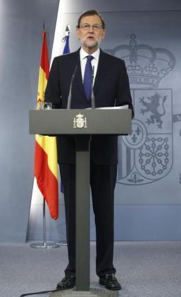 """El presidente del Gobierno, Mariano Rajoy, durante su comparecencia a primera hora de la mañana en el Palacio de La Moncloa donde ha afirmado que el Gobierno español """"toma nota con tristeza"""" del resultado favorable a que el Reino Unido abandone la Unión Europea."""