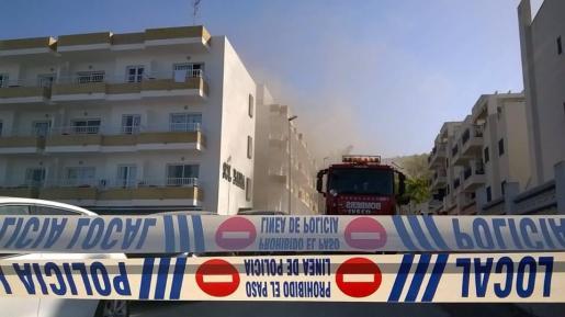 El edificio quemado, esta mañana.