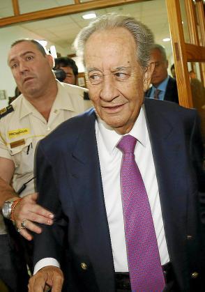 El dueño de OHL, Villar Mir, en el juzgado.