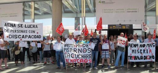 Protesta en Son Sant Joan contra la precariedad laboral.