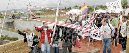 La imagen es del 10 de octubre de 2010 (10-10-10), la fecha elegida por el Govern de entonces para «recibir» las llaves de Son Espases.