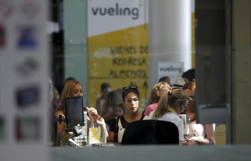 Según datos de la página de información sobre el estado de vuelos de Vueling, se prevé que la mayoría de conexiones entre Barcelona y Baleares salgan puntuales