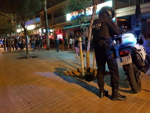 La policía ha evitado una 'quedada' de ultras de equipos rivales en la 'calle del Jamón'.