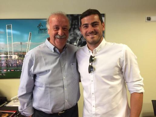Vicente del Bosque e Iker Casillas hacen las paces.