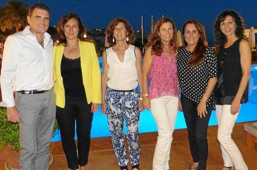Ramón Fuster, Irene Truyols, Argelia Medina, Francisca Sánchez, Paula de Juan y María Puga.