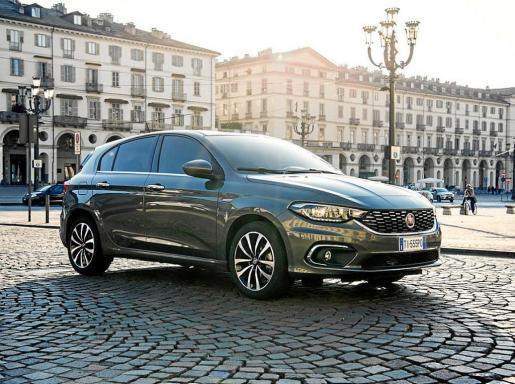 Fiat vuelve al segmento C con una gama funcional y muy completa, que maximiza la relación calidad-precio.