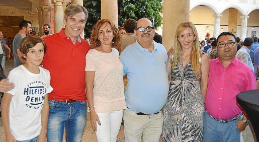 Gaspar Llompart, Domingo Llompart, Carme Picó, Gregorio Noceras, Pilar García y Pedro Cabrero.