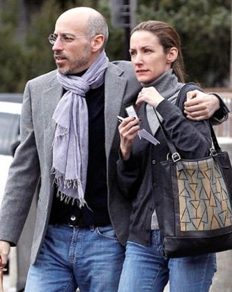 Telma Ortiz y Jaime del Burgo pasean en Barcelona.