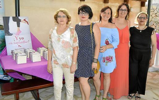 Enriqueta Rubert, Bartomeva Oliver, la escritora Luna González, Xisca Esteve y la bloguera Isa J.A.