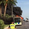 Autobús incendiado en el Passeig Sagrera