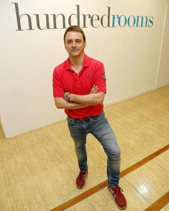 José Martínez, natural de Gijón, cuenta con una dilatada experiencia profesional en el mundo de las empresas tecnológicas. Escogió Palma para fundar Hundredrooms en febrero de 2014.
