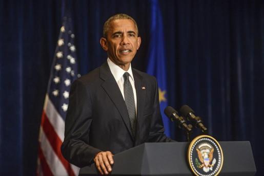 El presidente de Estados Unidos, Barack Obama, interviene durante una rueda de prensa tras una reunión celebrada en el marco de la cumbre de la OTAN.