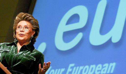 La comisaria europea de Justicia, Viviane Reding, durante una comparecencia en Bruselas.