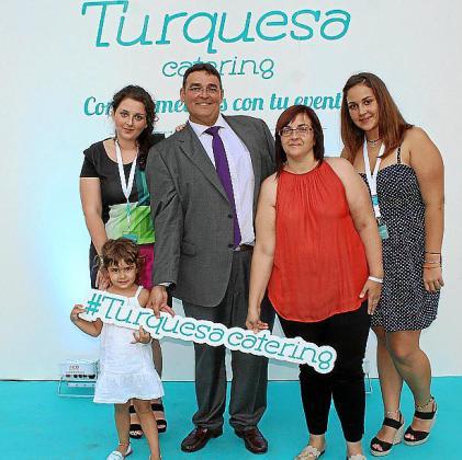 Cristina y Arola Martos, Saúl Martos, Cristina Garau y Noelia Martos.