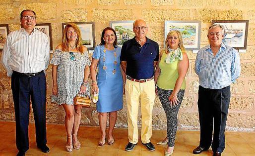Juan Ramis, Claudia Suárez, Carmita Pérez, Roberto Ortiz, la pintora Cati Gelabert Niell y el jefe del Sector Aéreo, Eusebio Lozano.