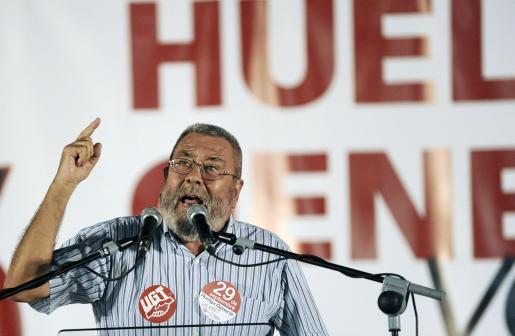 El secretario general confederales de UGT, Cándido Méndez, interviene durante su participación en Murcia en una asamblea dirigida a los trabajadores de la Región para informarles de los últimos preparativos para la huelga general convocada para el próximo 29 de septiembre.
