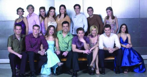 Imagen de archivo de los participantes en la primera edición de Operación Triunfo, ahora cantantes consagrados.