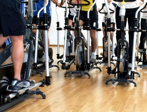 Megasport ofrece actividades dirigidas como el Ciclismo Indoor.