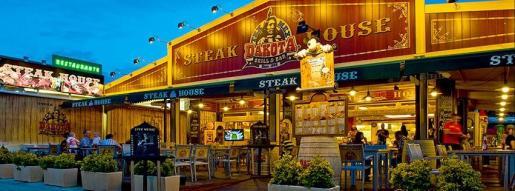 La cadena de restaurantes Dakota, en el norte de Mallorca, ofrece una amplia carta de cocina americana.