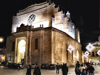 La Catedral es una hermosa visita para los turistas de Menorca.