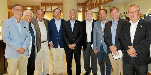 Joan Sastre, Ernesto Leo, Mateo Bennássar, Antonio Planas, Rafael Barea, Peter Newman, Gabriel Riera, Marcelino Minaya y Pancho Roses.
