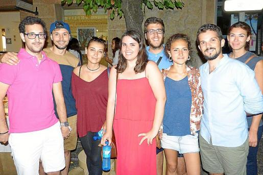 Carlos Muñoz, Óscar Mojer, Ina Mahmutaj, Carla Sanz, José Daniel Bogajo, Marga Mulet, Toni Alemany y Nerea Pol.