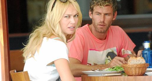 Patricia Conde y Carlos Seguín, almorzando.