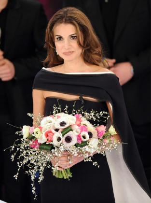La reina Rania de Jordania, en el escenario del festival de música de San Remo, el pasado mes de febrero.