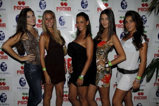 Laura Hurtado, Chiara Clark, Nereida Gallardo, Marga Bonin y Bárbara Pons.
