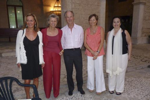 María Zaforteza, Natalia Márquez, Pablo Carvajal, Chantal Joudain y Laly Valdivieso.