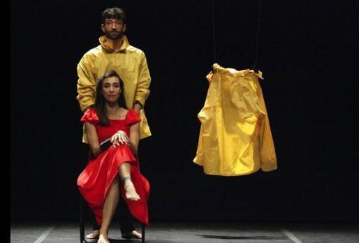 Catalina Carrasco y Gaspar Morey protagonizan 'Travelling to nowhere'.