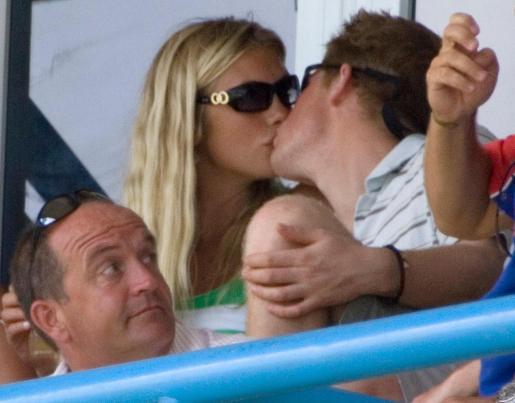 La relación entre el príncipe Harry y su novia Chelsy parece haber llegado a su fin.