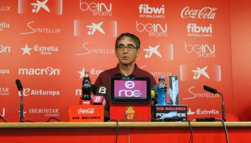 Fernando Vázquez, entrenador del Mallorca, comparece en rueda de prensa.