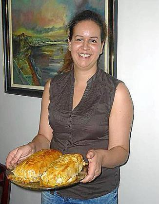 Elena Ruiz de La Tapita presenta su receta de solomillo de cerdo envuelto.