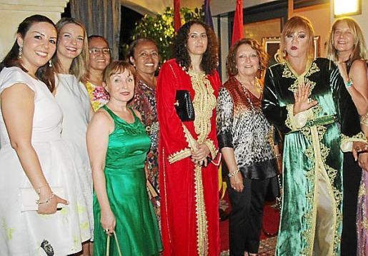 Karima Loubdi, Margalida Prohens, Nekane Aramburu, Grace y Patricia García, Maya Nemtala, Ana Morro, Haane Saadi y Águeda Ropero.