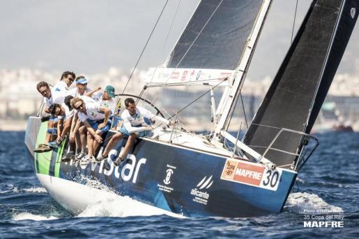 Es la cuarta consecutiva y el navegante de Cuntis, Pedro Campos, su novena como patrón.