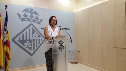 La regidora de Turismo, Comercio y Trabajo, Joana Maria Adrover.