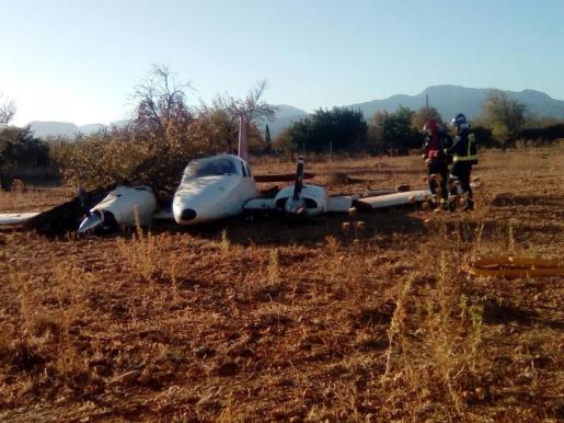 La avioneta aterrizó en terrenos del agroturismo Casa del Virrey en Inca.