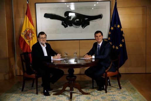 Mariano Rajoy y Albert Rivera antes de la reunión que han mantenido la mañana de este miércoles.