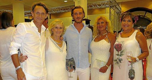 Pierde Casirhagi con Juan José Lemm, Mylene Naviera, Sedi Behvarrad y Agustina Vallés.