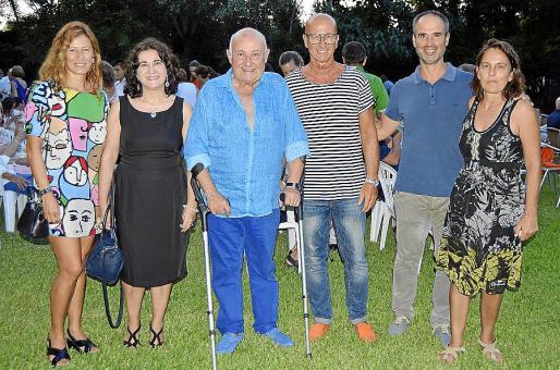 Gabriela Palau, Madgalena Gelabert, Joan Riera Ferrari, Antoni Pastor, Pere Riera y Rosa Carbonell.