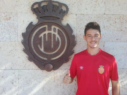 Adrián Dalmau, con la camiseta del Mallorca.