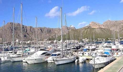 Imagen de archivo de embarcaciones en el Port de Pollença.