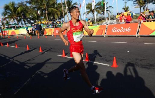 Wang Zhen durante la carrera.